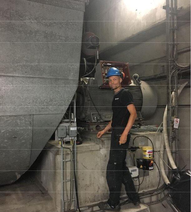 Lejeskift på 630 kW motor til sugetræksblæser hos Verdo i Randers