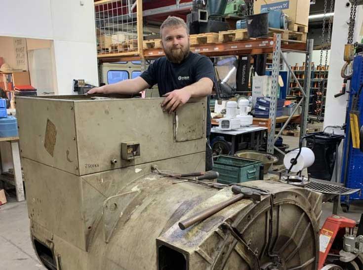 Reparation af 930 kVA Stamford generator på ca. 2,8 ton fra en Grønlandsk Trawler